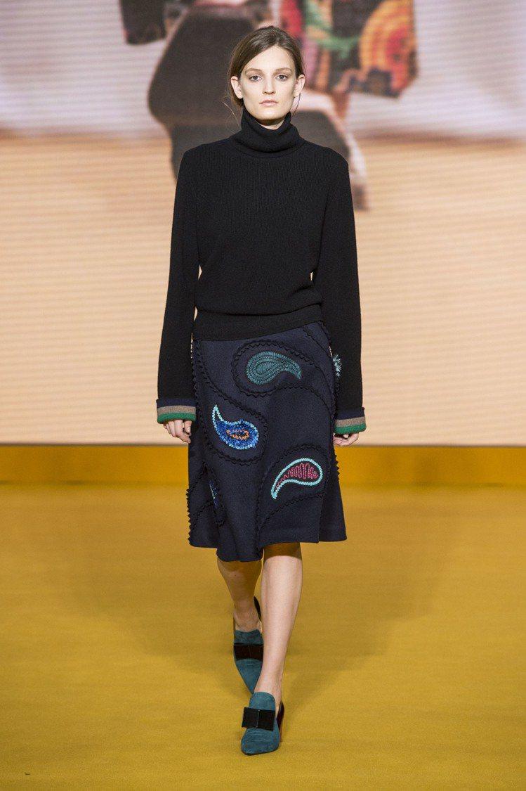 「針織」向來是這個秋冬備受歡迎的布料,優雅百搭的質感無論配什麼樣的單品都非常簡約...