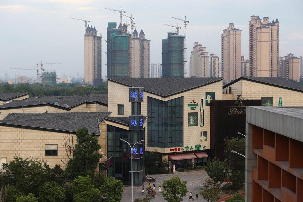 圖為蘇州施工中的建案。 中央社