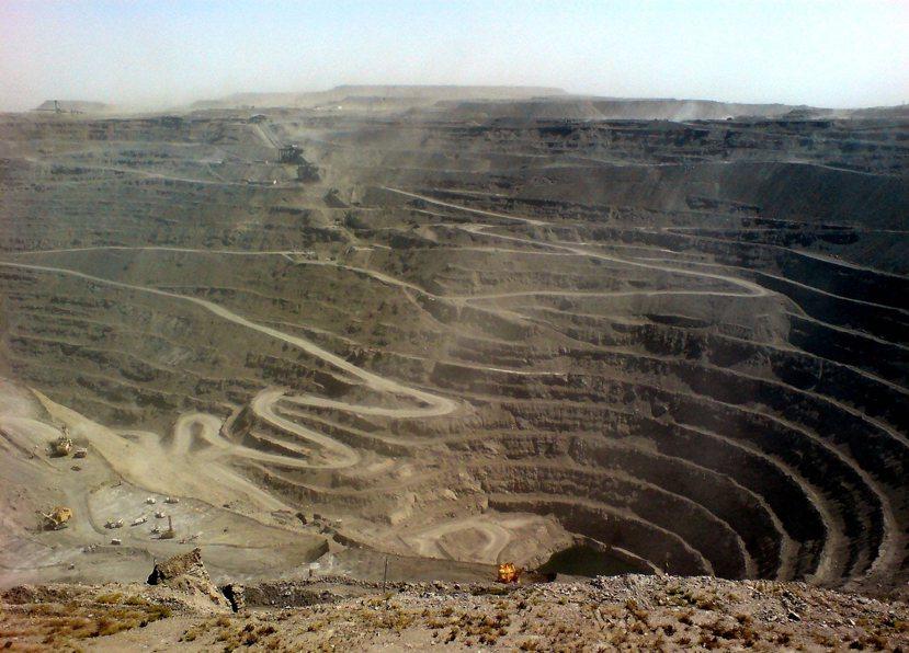 烏茲別克的「貴金屬國庫」穆龍套式(Muruntau)金礦區。 圖/維基共享