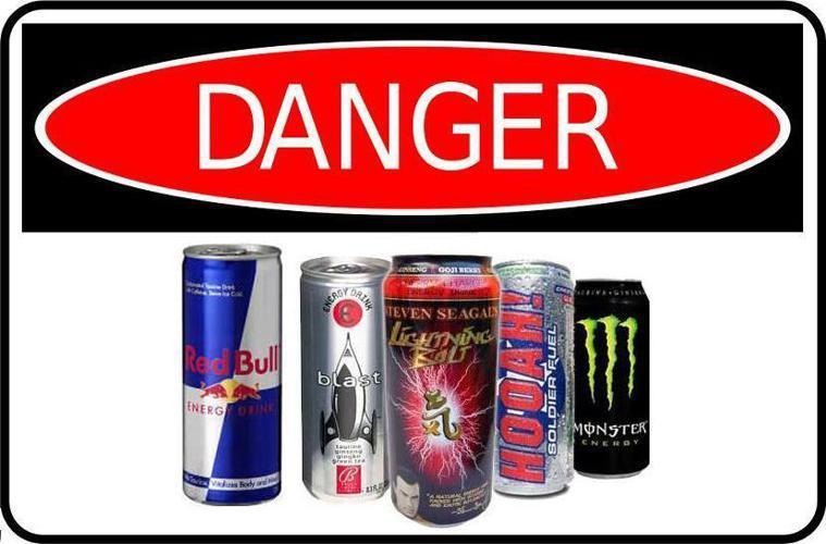 許多人喜歡喝能量飲料,但喝太多可能有害健康。(photo by Come Hom...