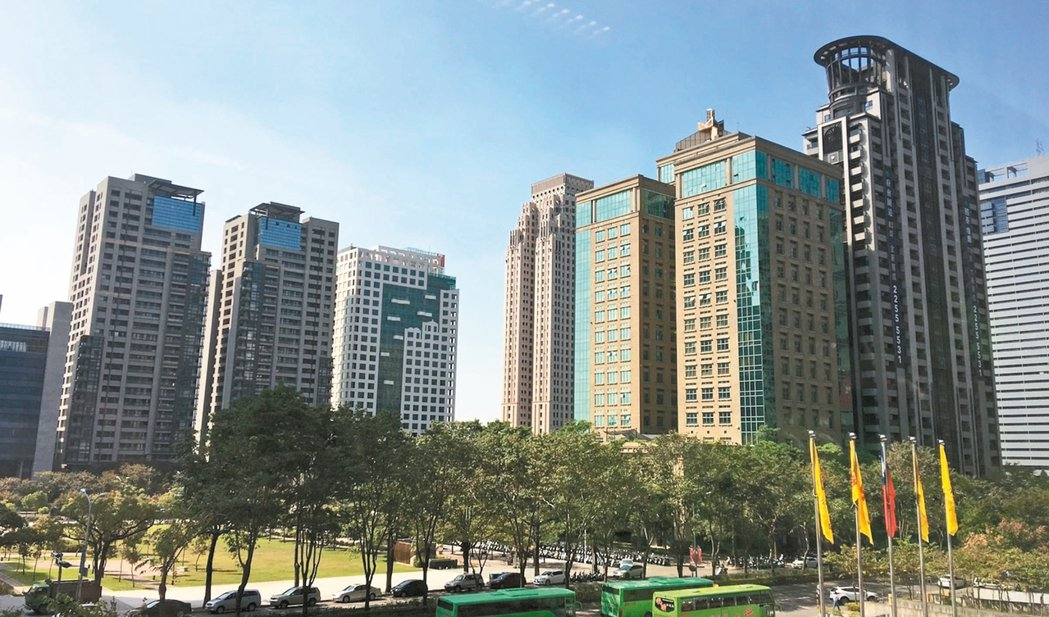 台中市開工規模首次超越近年長年居冠的新北市,成為全台推案最熱的都會區。 聯合報系...