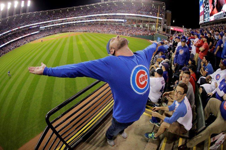 對球迷來說,MLB等大型職業運動的現場賽事、特別是一翻兩瞪眼的總冠軍戰,就是此生...