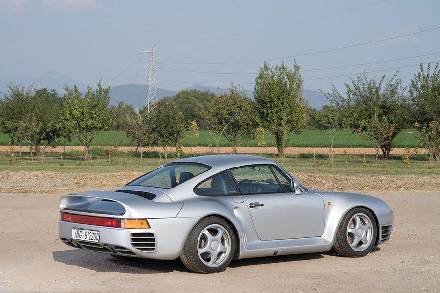 Porsche 959 摘自carscoops.com