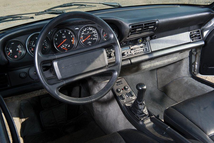 Porsche 959內裝 摘自carscoops.com