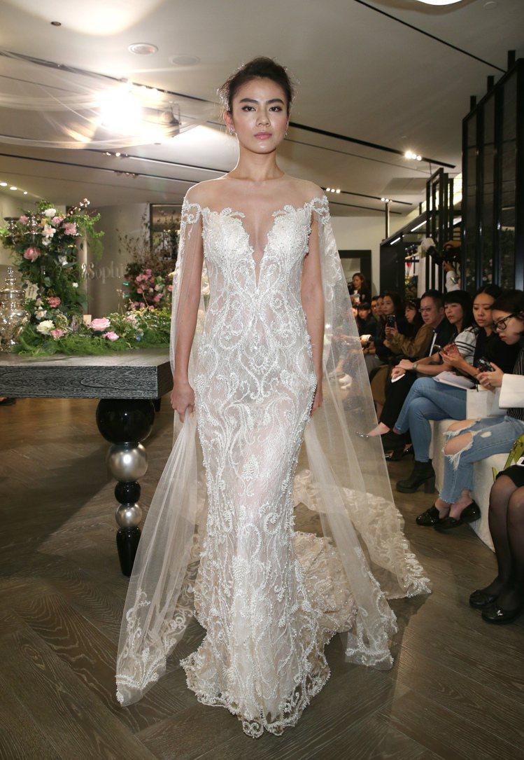 蘇菲雅舉行婚紗秀,以精緻手工展現輕盈與透視的華麗風格。記者蘇健忠/攝影