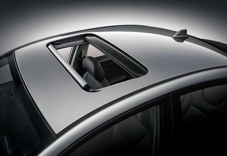 5 LUXGEN S3電動天窗。圖/納智捷提供