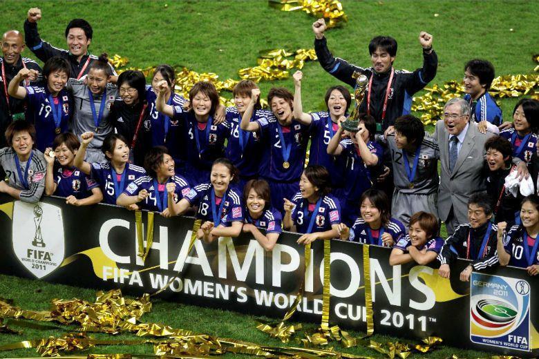 無獨有偶,距離墨西哥大地震26年後,日本發生東北大地震,重擊日本社會,在地震發生那年,日本國家女子足球代表隊卻在不被看好的情形下,拿下了世界杯冠軍。 圖/美聯社