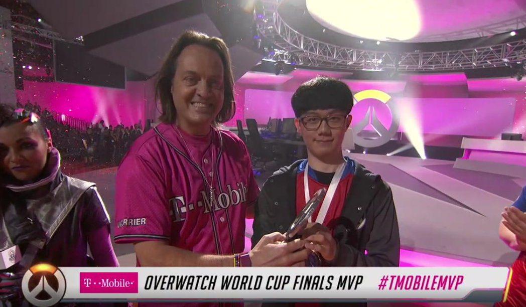 韓國隊Miro藉其溫斯頓的出色發揮,獲得本次世界賽MVP。