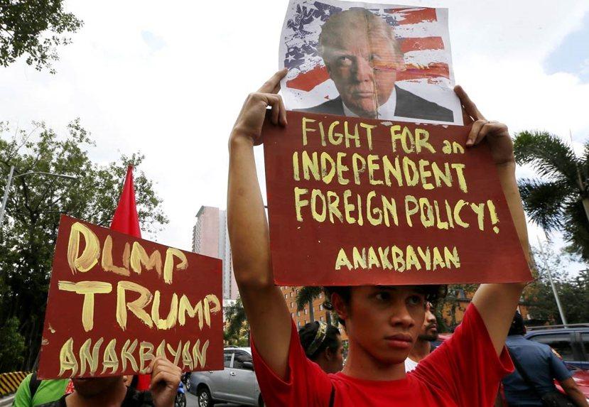 川普當選後,在世界各地激起了不少反川普的示威,儘管菲律賓總統杜特蒂對川普表達善意...