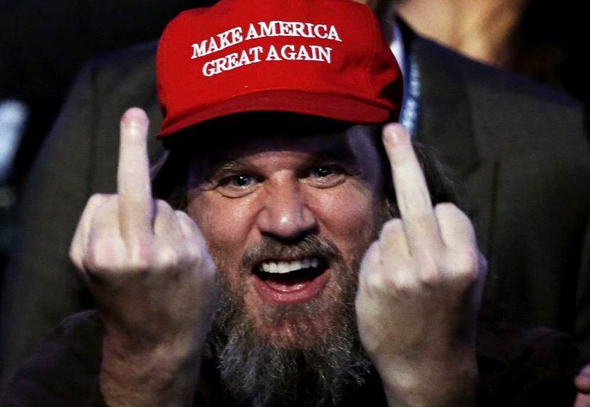 緊接著在歐巴馬這個「乖乖牌」總統之後,衝出的是川普這隻金髮大象,以及其支持者,高...
