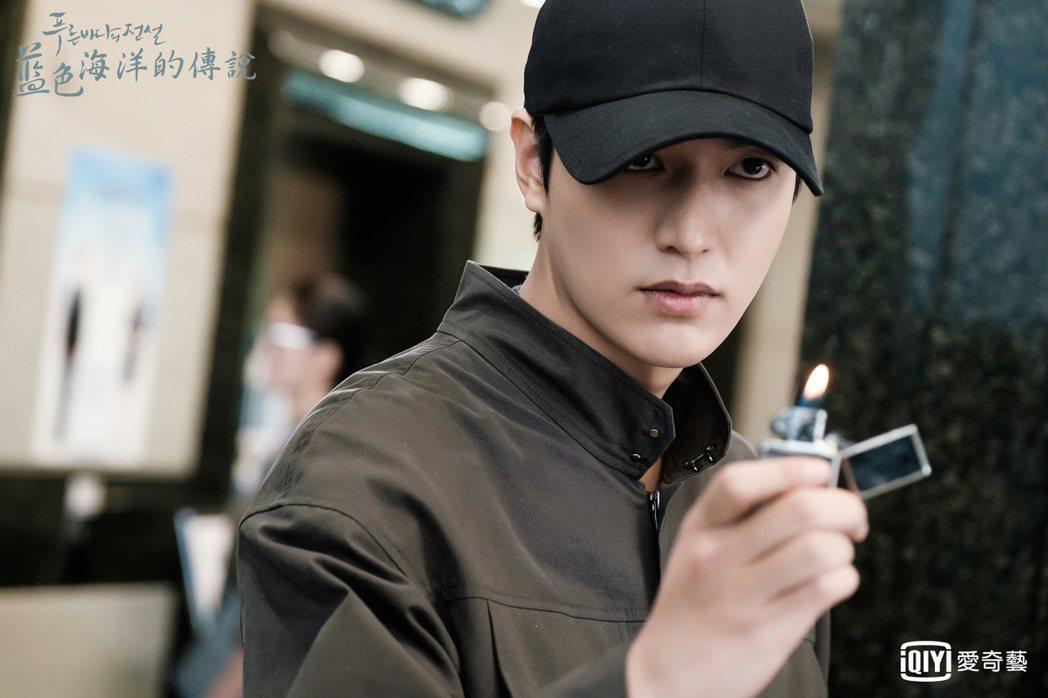 李敏鎬主演韓劇「藍色海洋的傳說」劇照。圖/愛奇藝提供