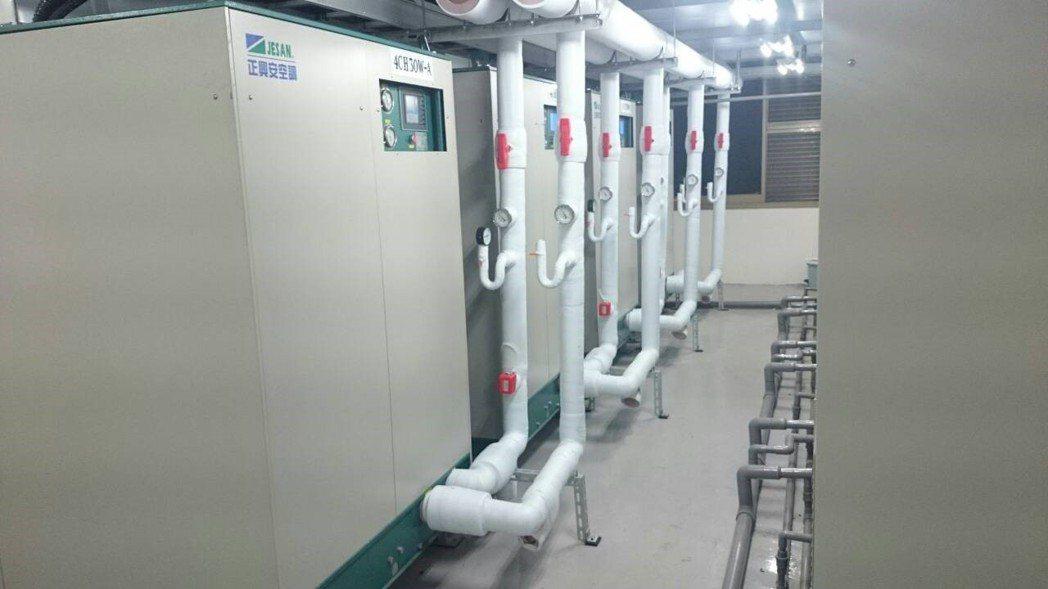 普士電業的蒸發式冰水機節能效果顯著,曾讓台電起疑。 圖/普士提供