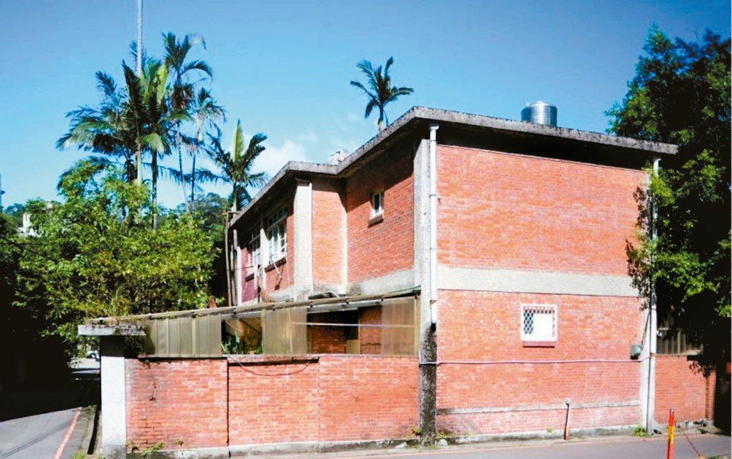 化南新村兩層樓磚造型式及水平提高的設計。 圖/梁銘剛提供