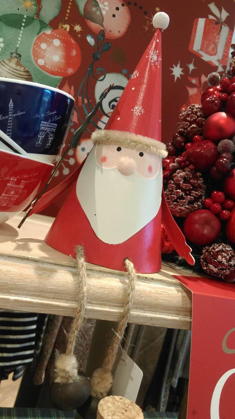 耶誕老人擺飾520~780元。記者徐文玲/攝影