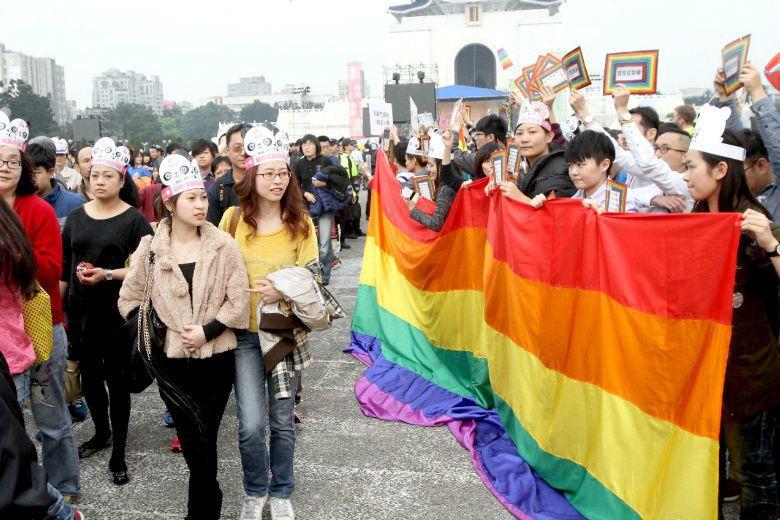 如果希望宗教信徒同性戀這個議題上改變態度,需要的並不是邏輯教育,而是調整詮釋的體...