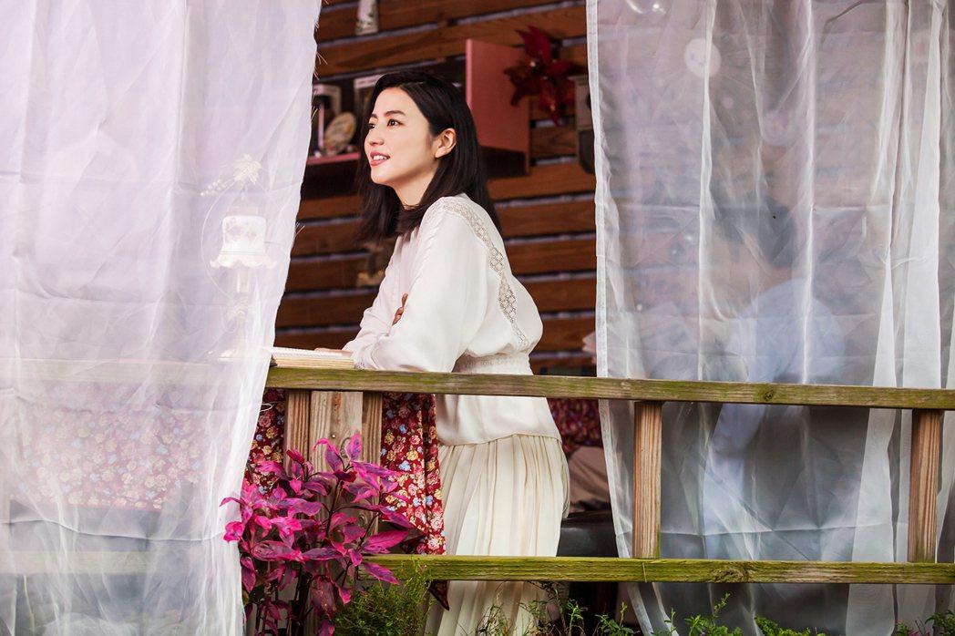 長澤雅美拍攝對日觀光宣傳影片。圖/觀光局提供