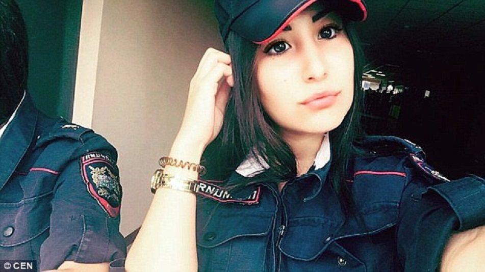 俄羅斯警方為了凸顯女警堅強與美貌並俱,因而舉辦這場女警選美賽。圖擷自Dail...