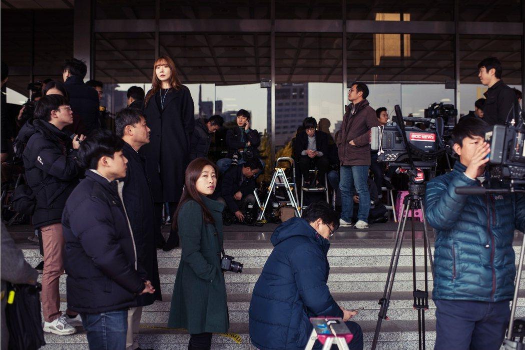 JTBC的獨家報導,引發南韓震撼,「老三台」不少同業也開始反省,甚至更將強烈要求...