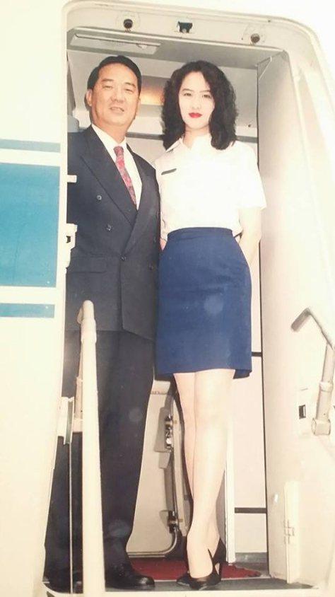 金友莊當初在軍中擔任空姐,還曾服務過宋楚瑜。圖/金友莊臉書