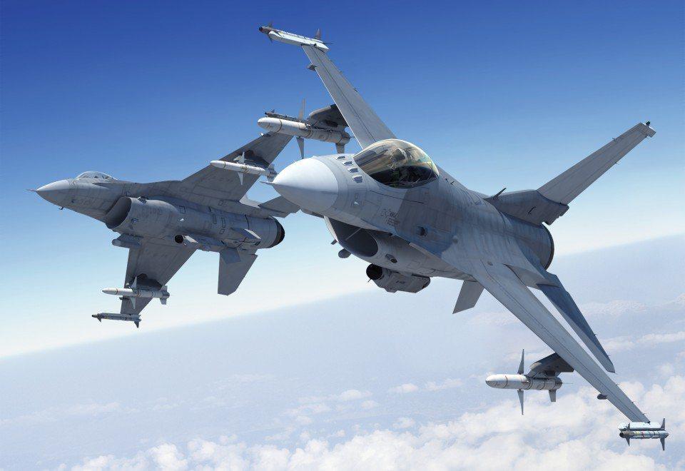 F-16V想像圖,外型與改裝前幾無差異,但換裝AESA雷達,性能大幅提升。(洛克...