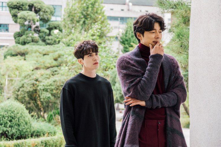 孔劉在最新電視劇「鬼怪」中的造型多變,但與時尚脈動緊連。圖/摘自tvN官網
