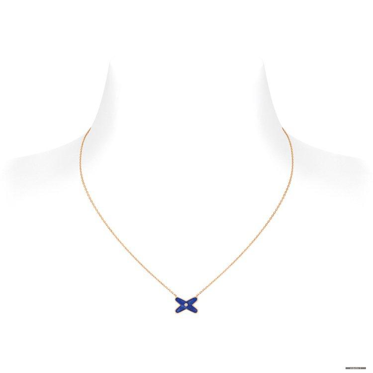 Jeux de Liens項鍊青金石項鍊,53,000元。圖╱CHAUMET提供