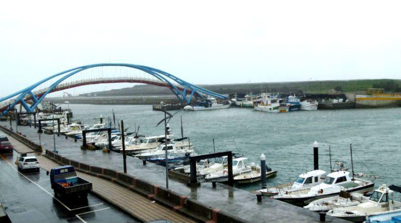 在水域遊憩管理辦法中,並未將釣魚列入水域遊憩活動項目中,遊艇得從事非漁業目的釣魚...