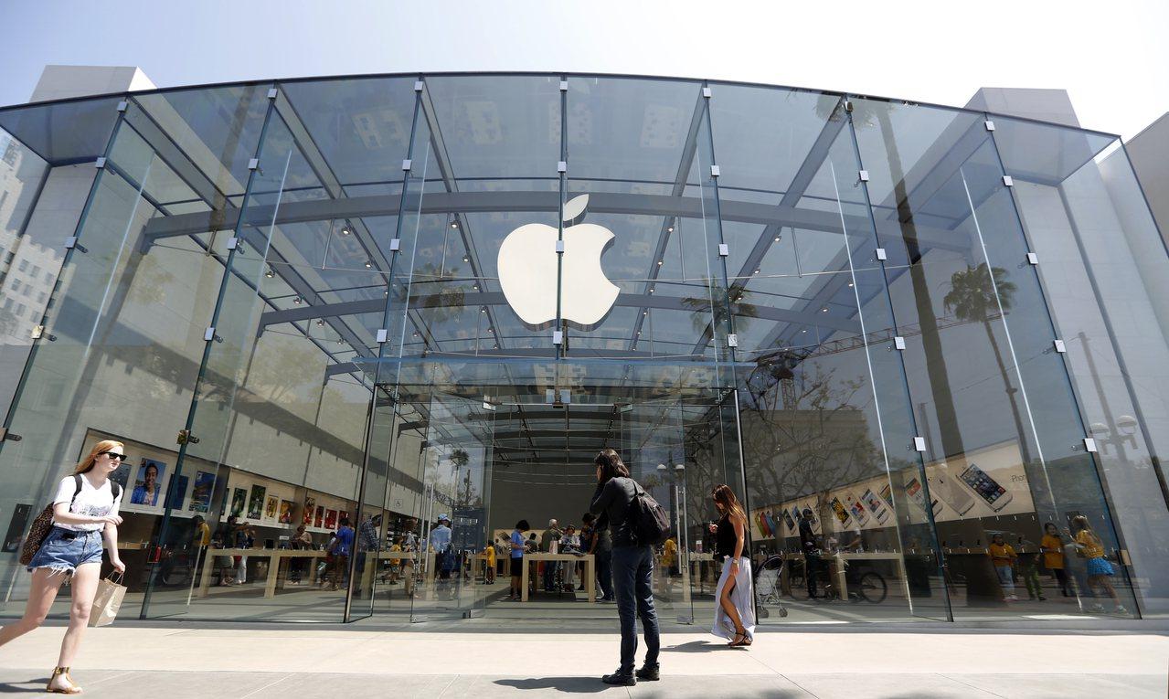 明年4.7吋新款iPhone將配備玻璃機殼與無線充電功能,可創造入門款換機需求。...