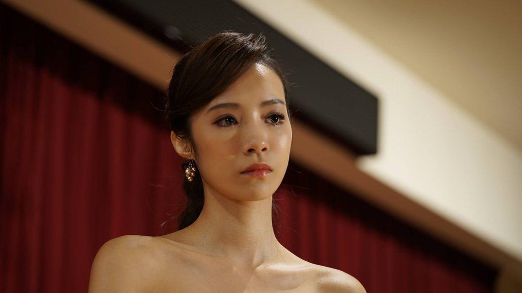 茵茵在「野模」中飾演被欺負、憂鬱的小模。圖/公視提供
