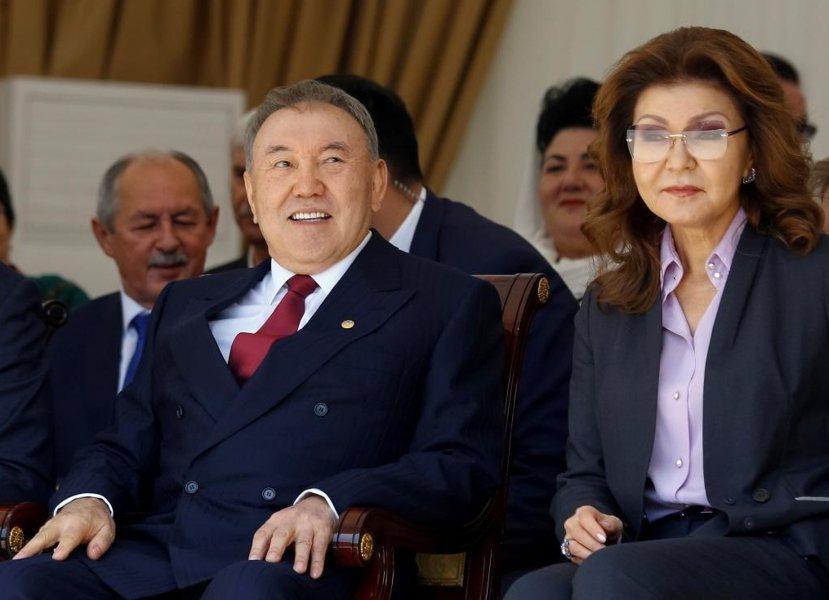 同新加坡李氏父子的按部就班世襲計畫,納扎爾巴耶夫也有意讓長女達麗佳(右)接班,但...