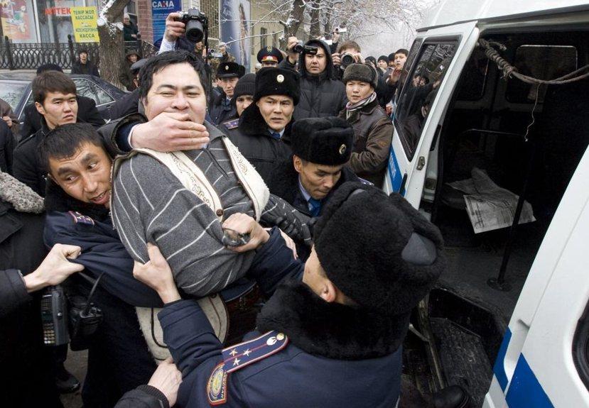 2009年土地抗爭:2009年納扎爾巴耶夫政權提出向中國出租農地的計畫時,已引發...