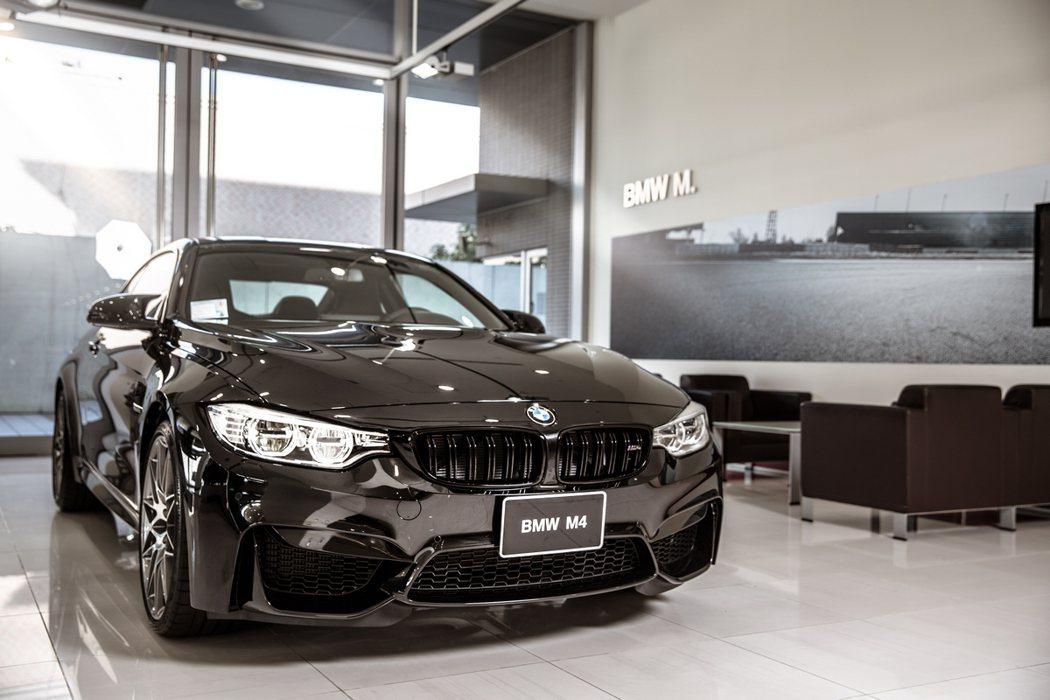 台北汎德濱江全功能服務中心具備BMW M專屬展示區。 圖/汎德提供