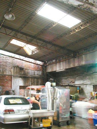 石綿造成的石綿肺症、間皮瘤與肺癌,病患的職業包括船艦維修人員、高溫鍋爐管線或低溫...