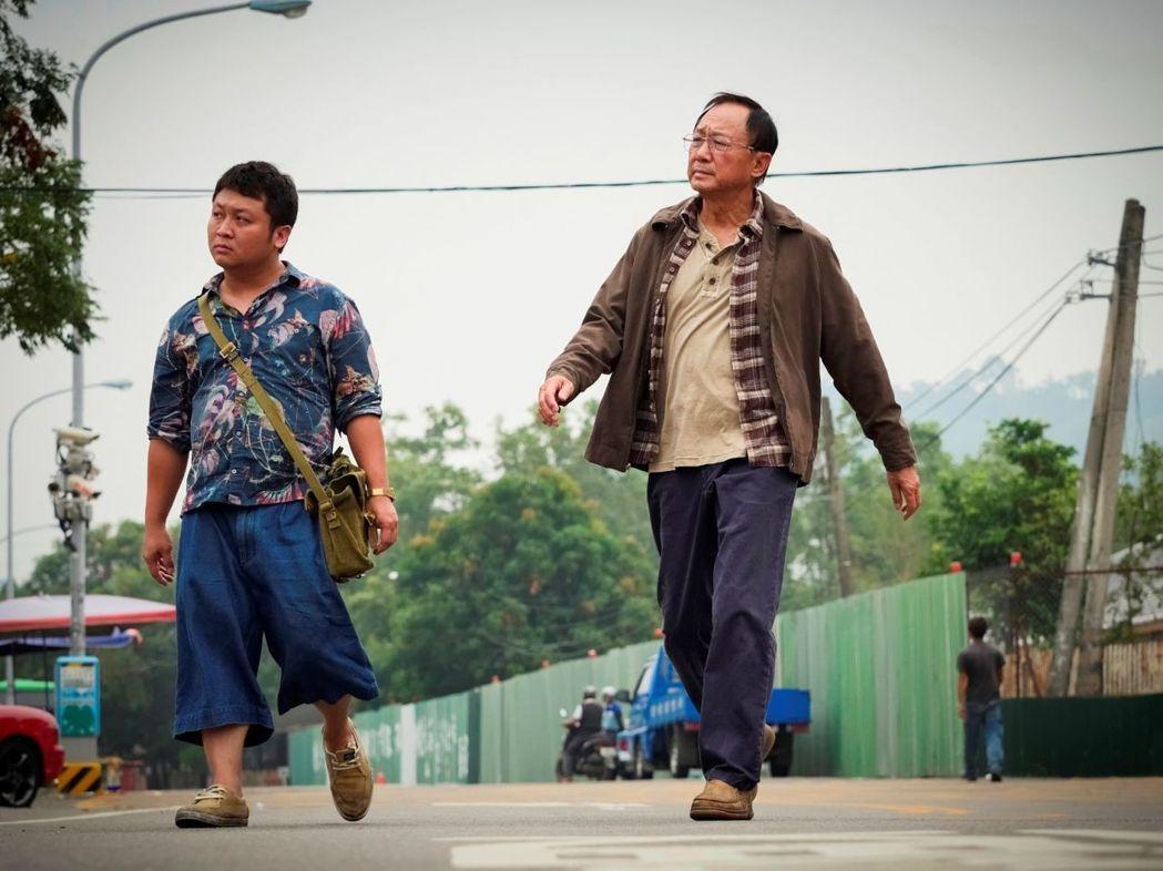 許冠文(右)、納豆在電影《一路順風》演出精采,分別入圍今年金馬獎最佳男主角、最佳...