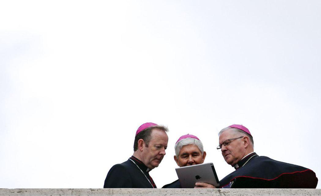 回顧天主教會的發展,本來就是充滿彈性的過程,宗教與科學之間也未必始終牴觸。圖為梵...