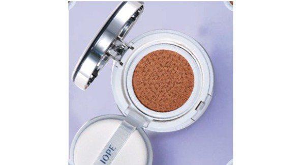 圖/IOPE水潤光透氣墊粉底,NT1500,Beauty美人圈提供