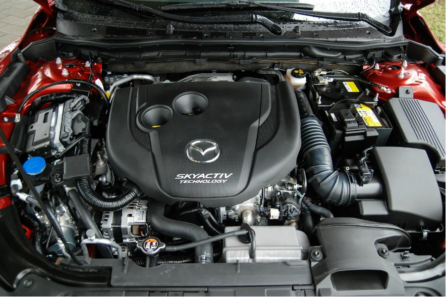 Mazda6 Wagon 搭載 2.2 升 SKYACTIV-D 四缸雙渦輪柴油引擎,結合 6 速手自排變速箱,帳面數據為 175 匹/42.8 公斤米。 記者林鼎智/攝影