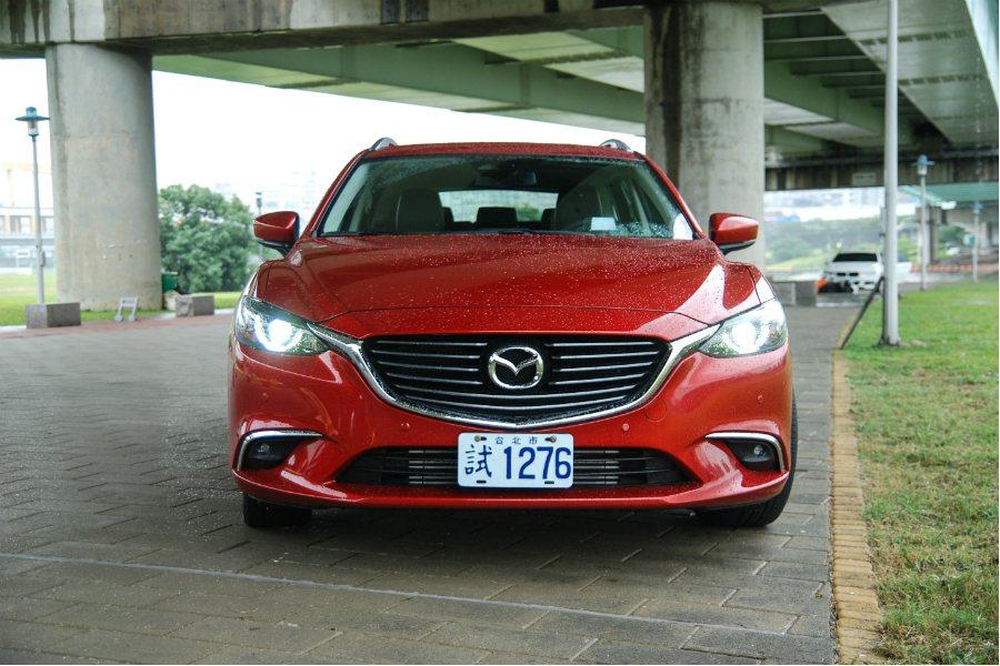 Mazda6 Wagon 維持家族一貫的魂動設計,外型相當亮眼。 記者林鼎智/攝影