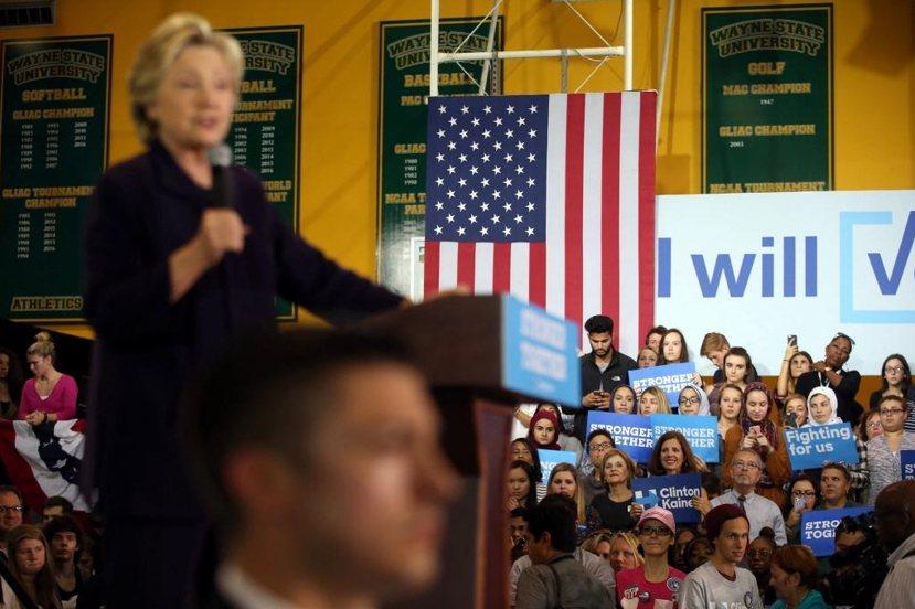儘管希拉蕊努力在韋恩州立大學催票(圖),民主黨單單在底特律市的韋恩郡(Wayne...