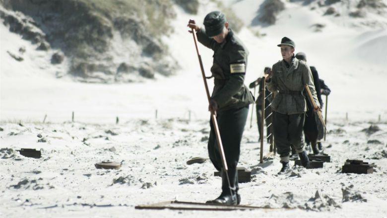 當歷史中加害國與受害國正反角色的位置在電影中互換:這一切,應該嗎? 圖/電影《拆...