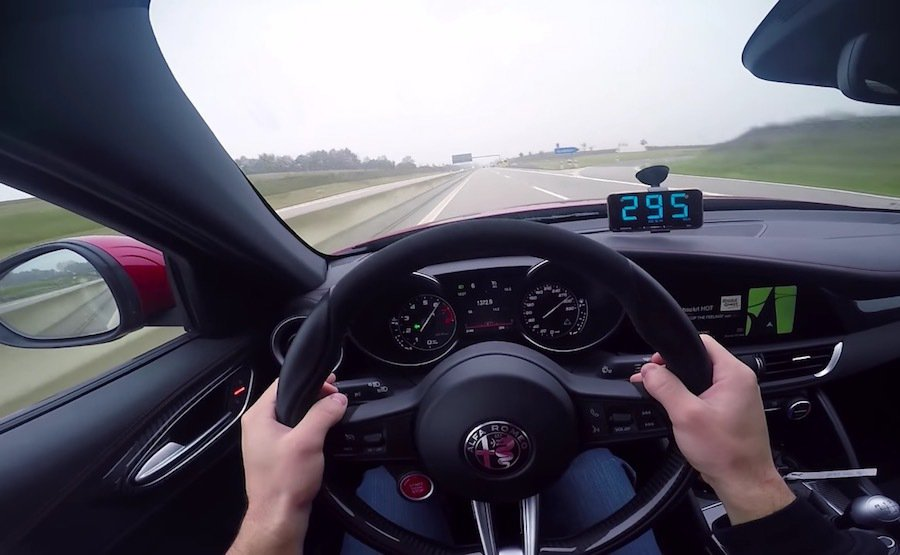 截自Cars on Autobahn影片