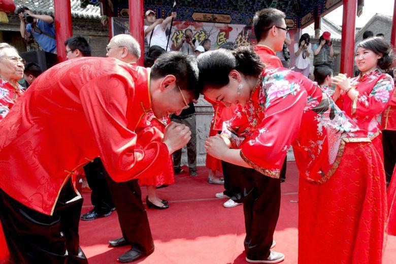無論儒家或法家,幾乎都想要找到一個讓社會更理想的方法,對於社會秩序當然也有一定的...