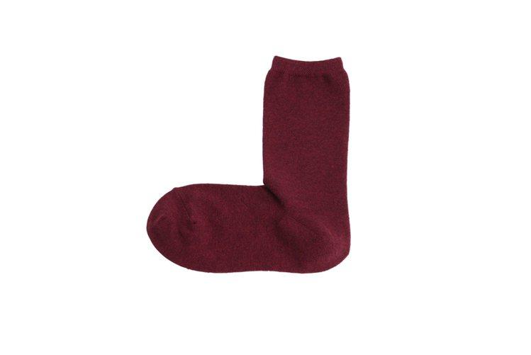 MUJI女羊毛混直角襪,使用羊毛混織的織線,配合後腳跟設計成更貼合的直角樣式、2...