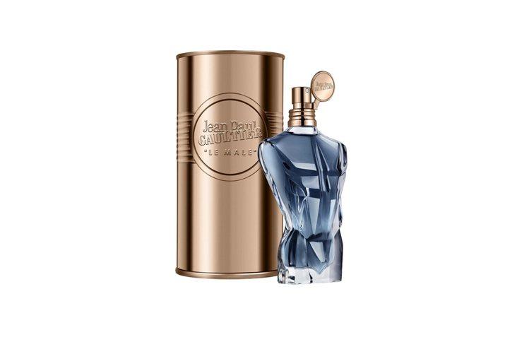 藍鑽水手男性淡香精,玻璃鑽石切面使質地更為高級,125ml 、3,400元。圖/...