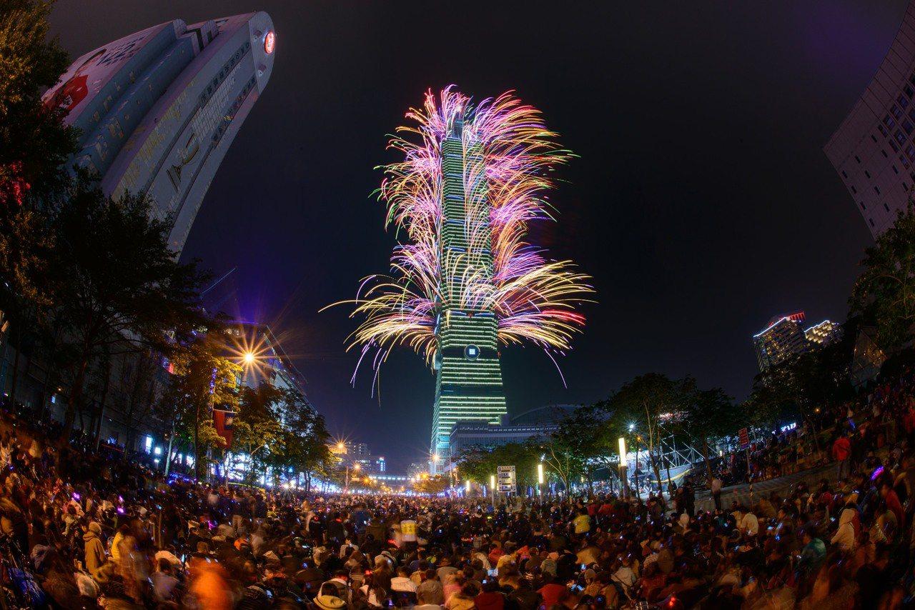 台北101跨年煙火,今年確定繼續施放。圖/台北101提供