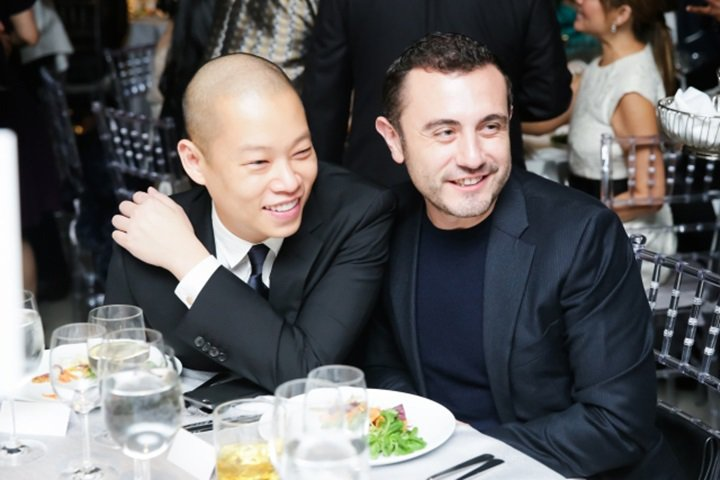 今年四月,台灣設計師吳季剛與相識11年的男友藍格爾於墨西哥舉辦婚禮,吳季剛的父母...