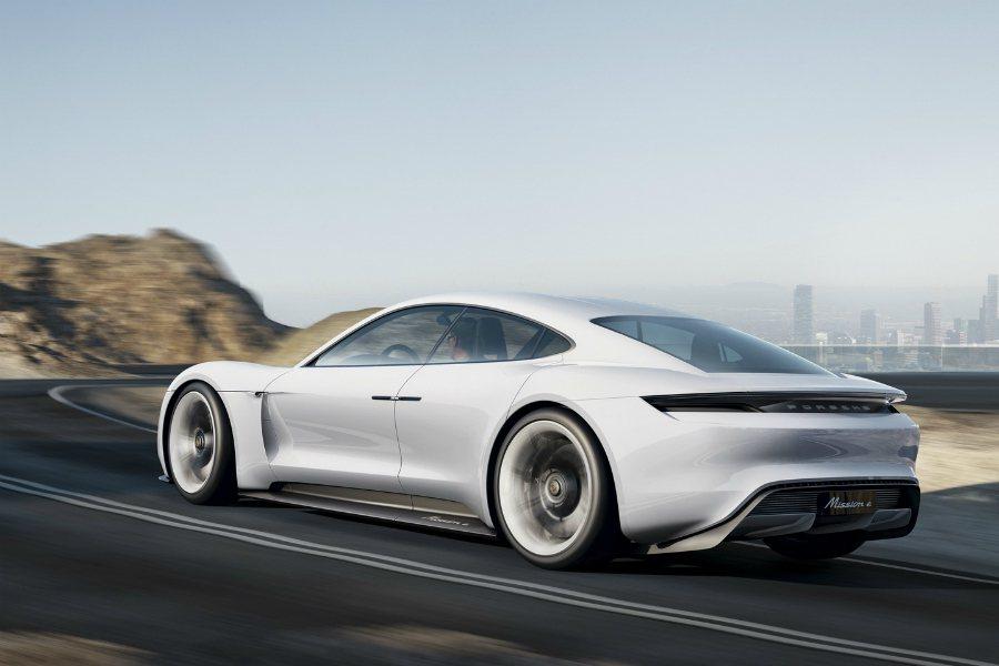 Porsche 預估Mission E 將可年銷2萬輛,成為Tesla Model S 的競爭對手。 摘自 Porsche