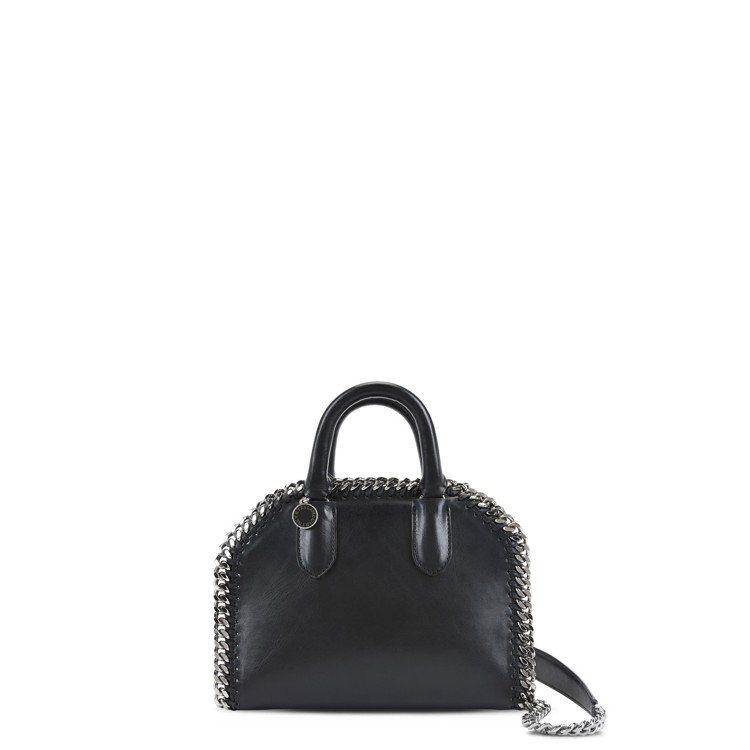 Falabella Box Mini黑色提肩背包,售價40,580元。圖/CLU...