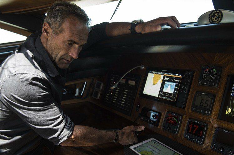 瑞士籍南非探險家Mike Horn是沛納海長期贊助的探險家。圖/沛納海提供