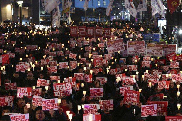 首爾直擊/寒冬飛雪 擋不了兩百萬雙腳